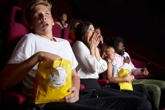 Une soirée au ciné en famille peut se terminer en cauchemar !